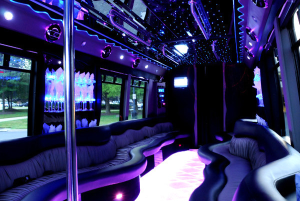 22 person party bus fort wayne