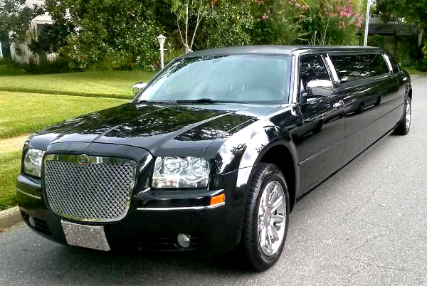 Chrysler 300 limo rental fort wayne