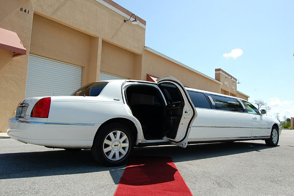 lincoln stretch limo 1 fort wayne